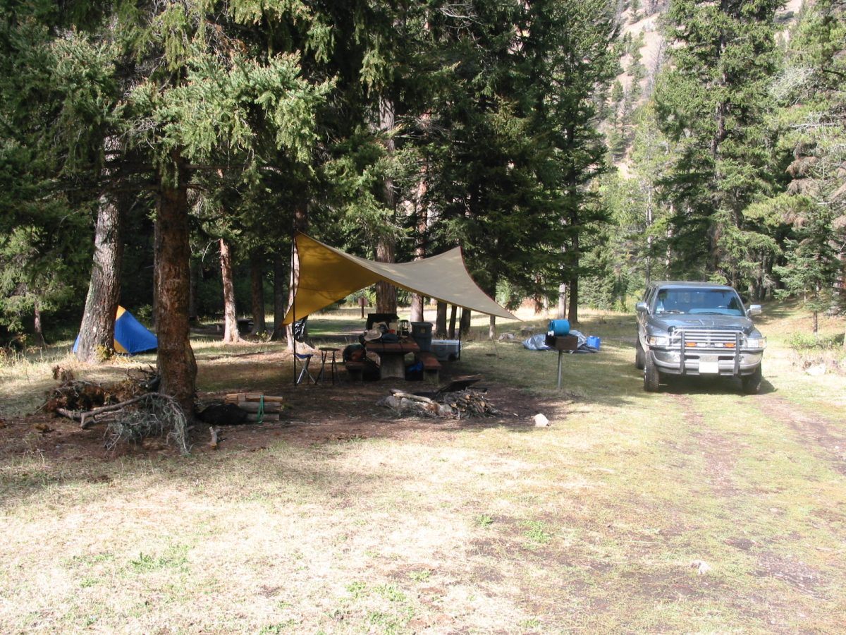 Car camping campsite in the Castle Mountains