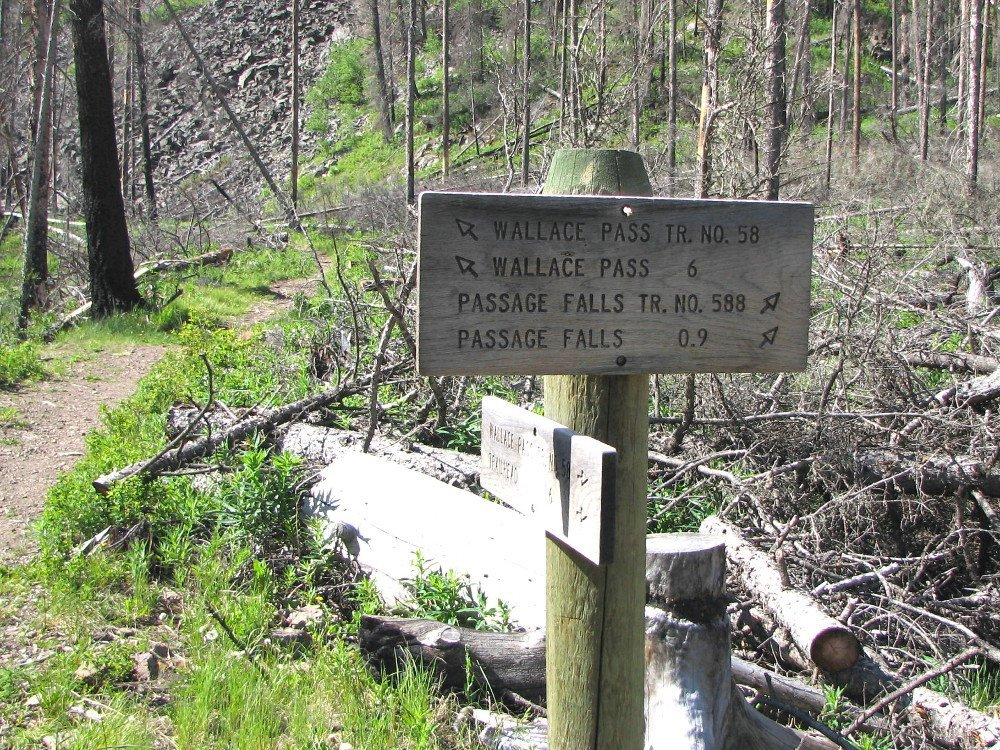 Trail sign marking the trail to the falls